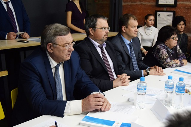 В Ижевске прошла встреча за круглым столом «Организация доступной среды для маломобильных групп населения»