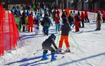 Курорт «Архыз» предлагает возможность заниматься горнолыжным спортом людям с ограниченными возможностями.