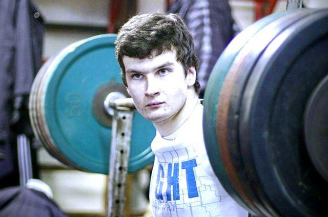 150 кг – рекордный вес, который берёт Евгений. © / Евгений Ковальногих / Из личного архива