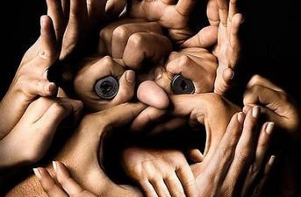 Что такое жестовый говор и как глухие люди из разных стран общаются друг с другом?
