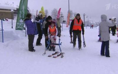 Папа девочки с диагнозом ДЦП разработал программу реабилитации для детей-инвалидов с помощью лыж