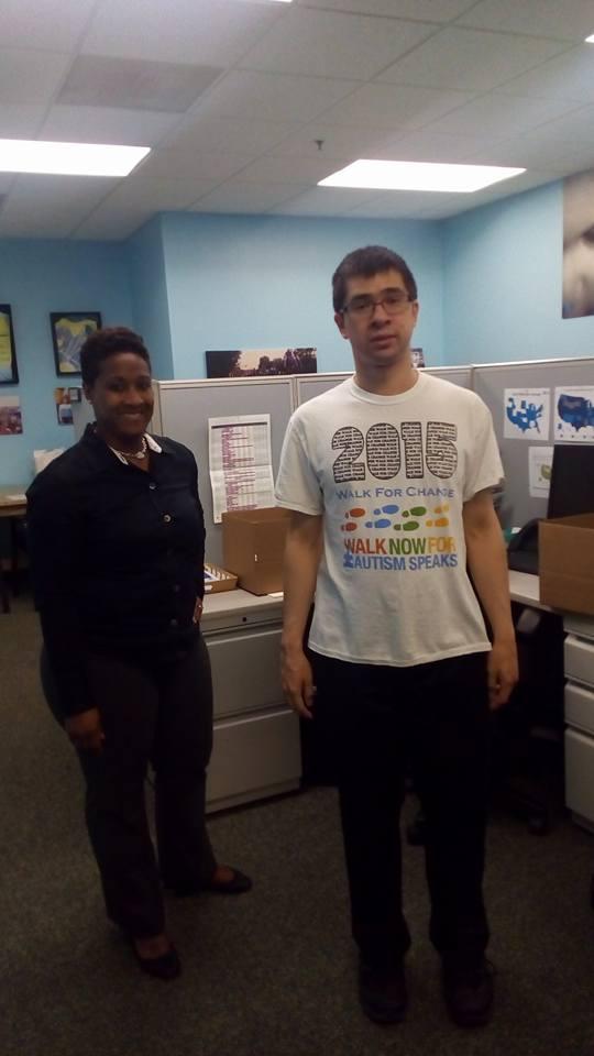 Это Мэтт, волонтер. В США 1 из 68 детей страдает аутизмом. — в Autism Speaks National Capital Area.