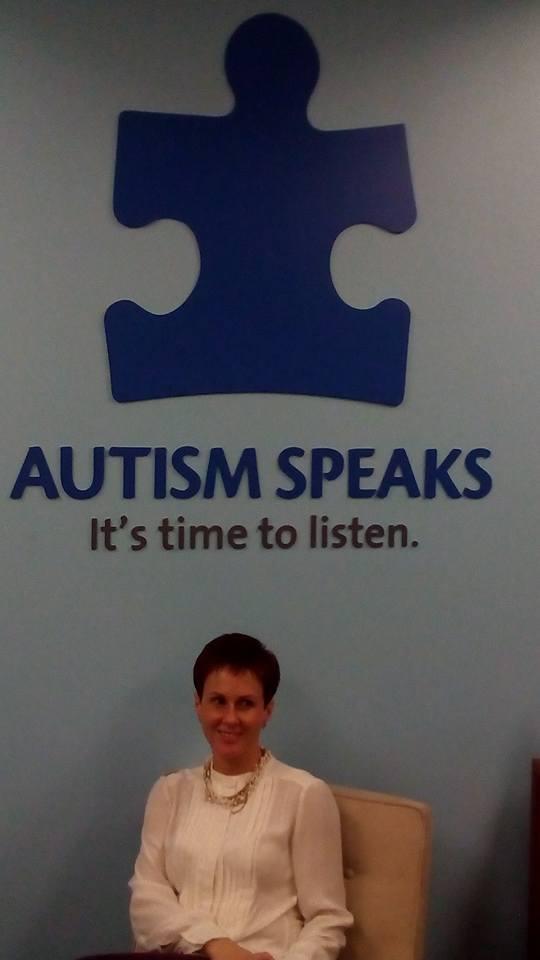 """""""Autism speaks. It's time to listen"""" какой простой и точный девиз! Действительно, эти дети рядом с нами, пора их услышать! — в Autism Speaks National Capital Area."""