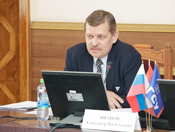 Начальник отдела реабилитации Всероссийского общества глухих Александр Иванов.