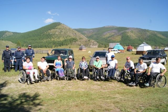 11 инвалидов-колясочников совершили автопробег по Горному Алтаю