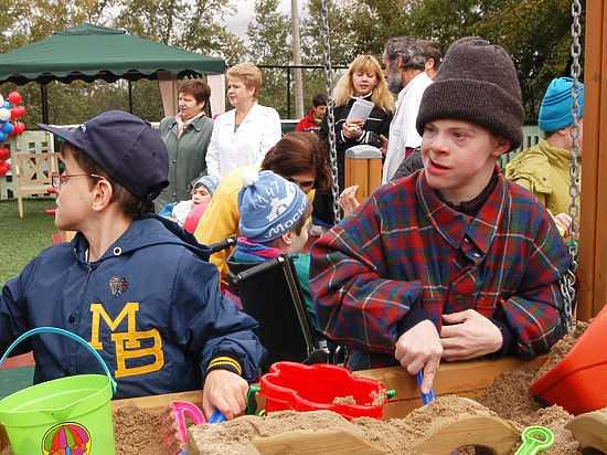 Минтруд идет навстречу инвалидам: синдром Дауна не нужно подтверждать